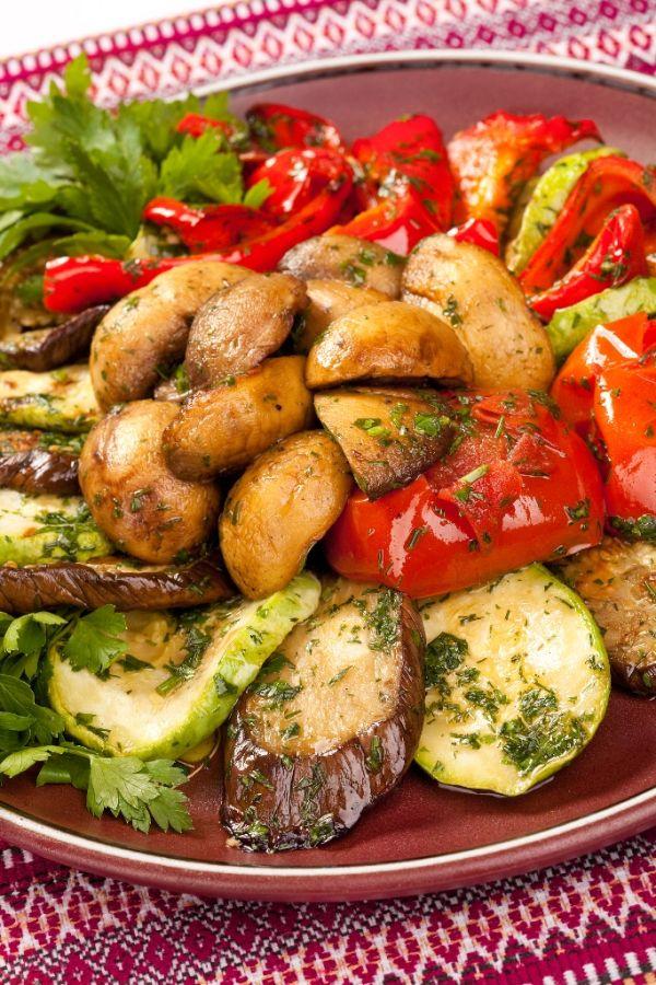 Pestrý zeleninový tanier |
