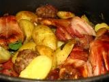 Pečený králik na tymiáne a šalvii s mäsovo-jablkovými guľkami