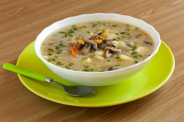 Slovenská zemiaková polievka s hubami |