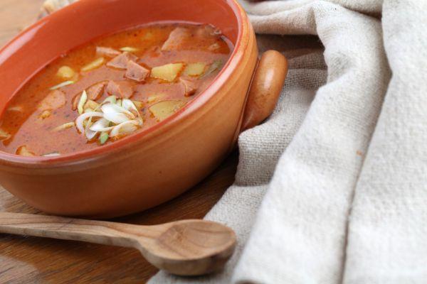Riedka gulášová polievka |