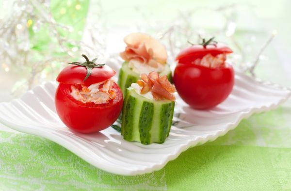 Plnené uhorky a paradajky |