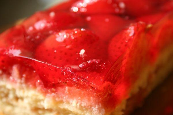 Jahodový koláč so želatínou |