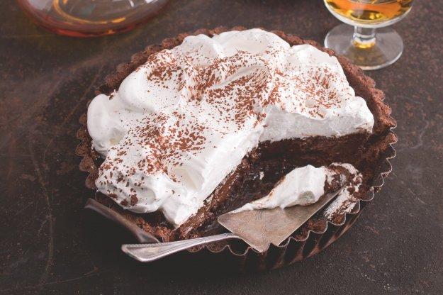 Čokoládový koláč s pusinkovou čepicí