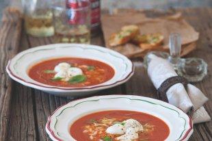 Paprikové kuře s houbami a rajčaty