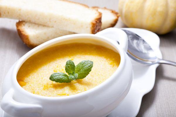 Tekvicová polievka s batatmi |