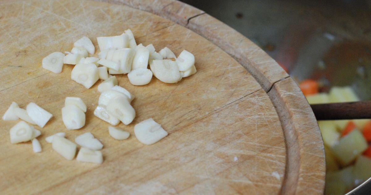 Šošovicová polievka s restovaným párkom, fotogaléria 5 ...