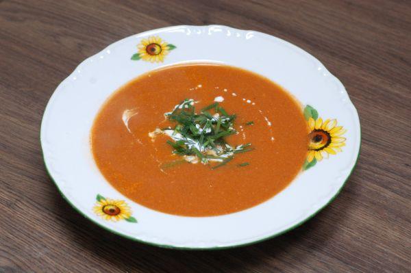 Krémová rajčinovo-tuniaková polievka |