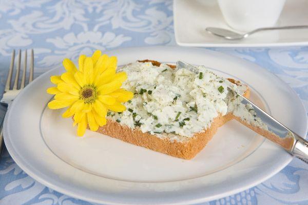 Cottage cheese so zeleným jačmeňom |