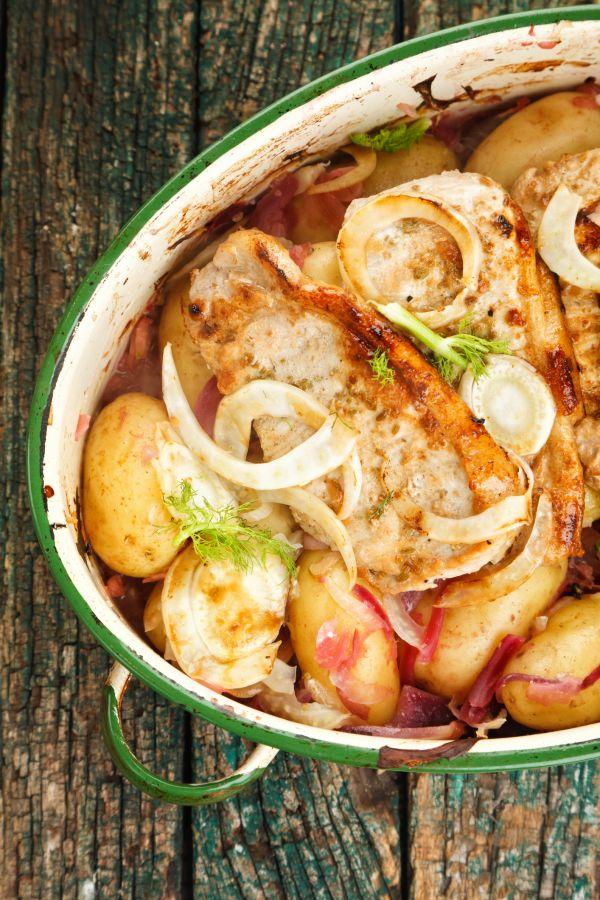 Bravčové mäso s feniklom, cibuľou a zemiakmi |