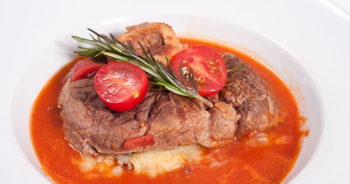 Varené hovädzie mäso s paradajkovou omáčkou, fotogaléria 1 / 1.