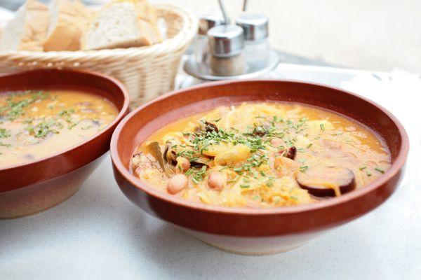 Fazuľová polievka s klobásou |