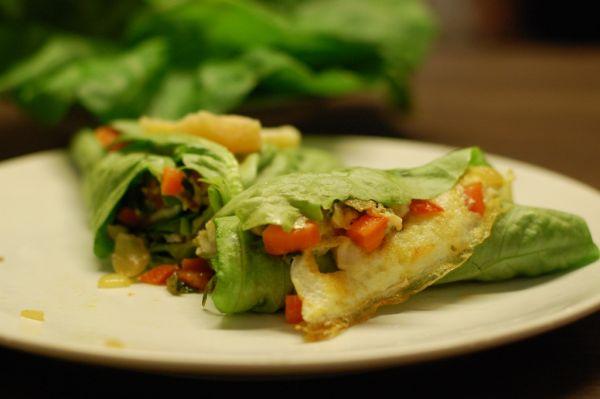 Fitness omeleta v šalátovom liste |