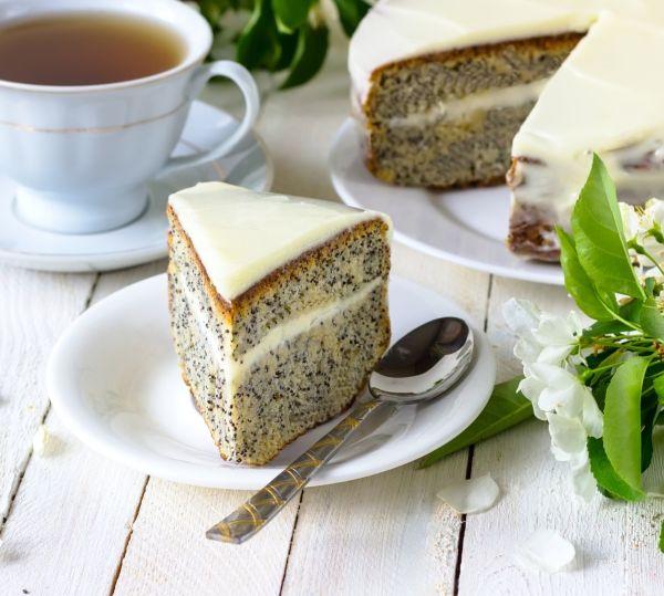 Makový koláč s lahodným krémom |