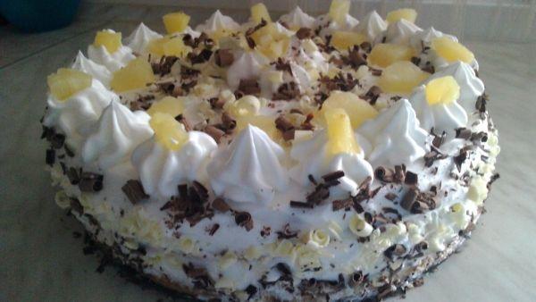 Veľkonočná trasená torta s ananásom |