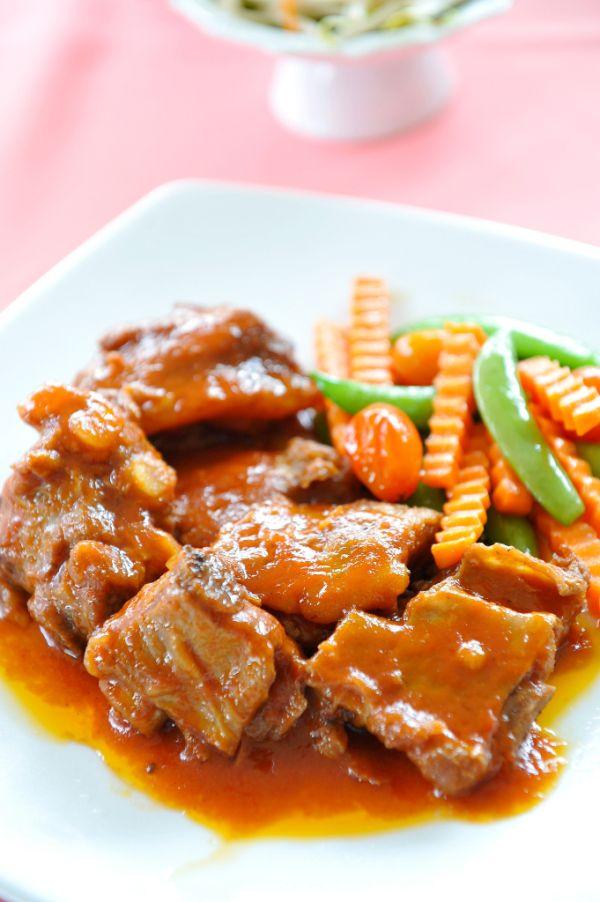 Bravčové mäso dusené v mrkve |
