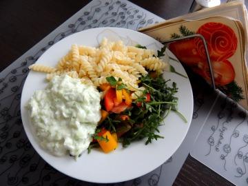 Salát s rukolou a tzatziky  Recepty na každý den