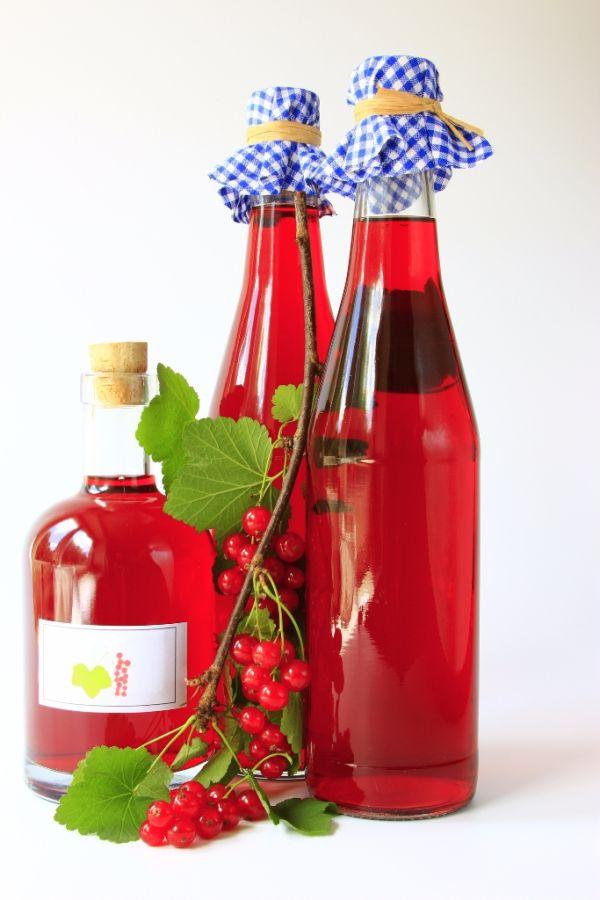 Dezertné víno z červených ríbezlí  