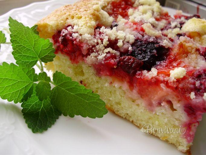 Hrnčekový koláč s ovocím