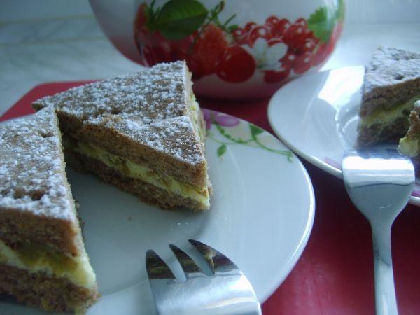 Krehký rebarborový koláč s tvarohom |