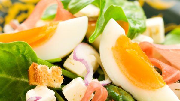 Špenátový šalát s vajíčkom |
