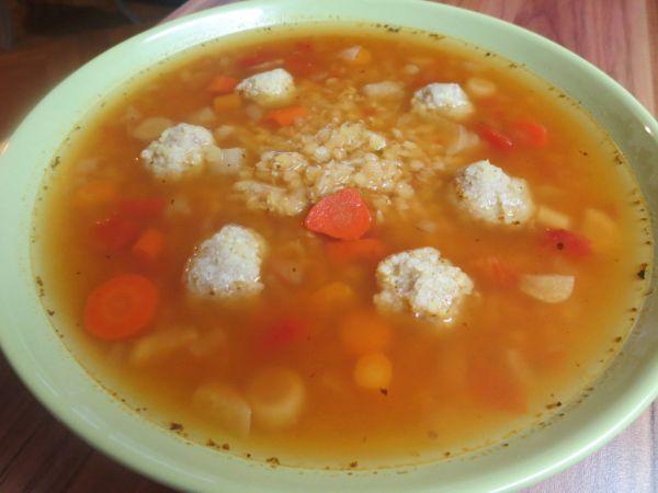 Šošovicovo-paradajková polievka so pšenovými ...