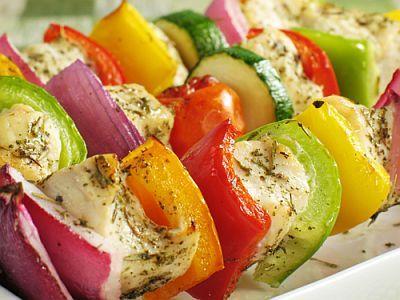 Kuracie ražniči so zeleninou |