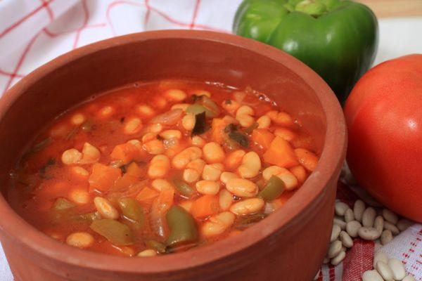 Fazuľová polievka so zeleninou |