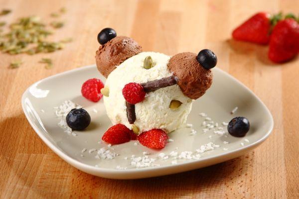 Zmrzlinový dezert Budík |