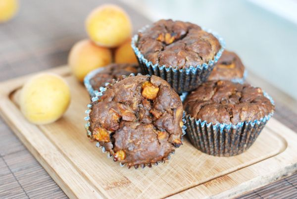 Cuketovo-karobové muffiny s marhuľami |