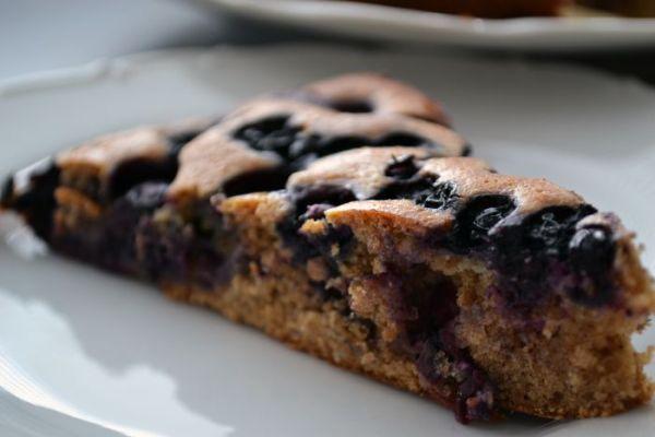 Špaldový čučoriedkový koláč |