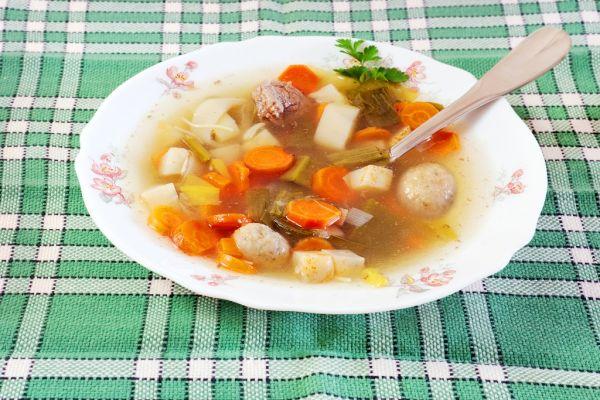 Hovädzia polievka s haluškami |