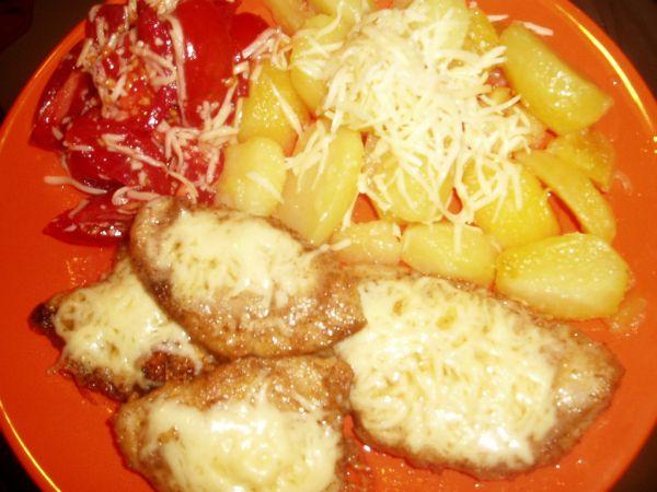 Horčicovo  chrenové mäsko a zemiaky |