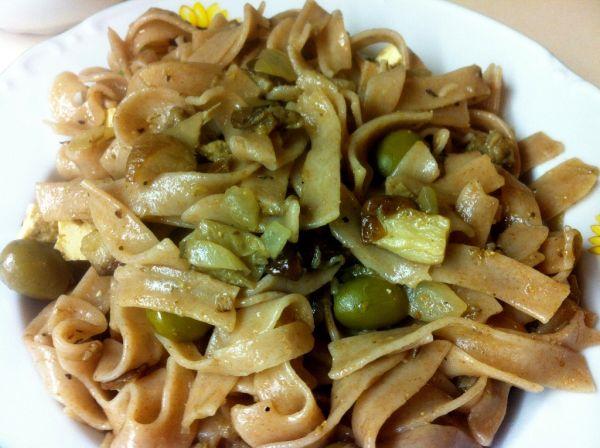 Dubákové špaldové rezance s olivami a tofu syrom ...