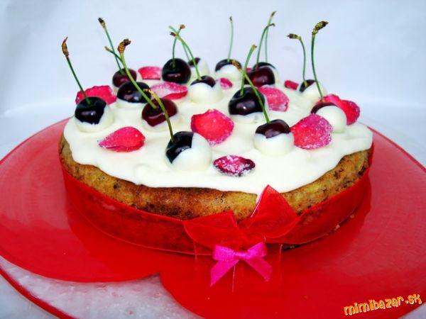 Čerešňová torta s bielou čokoládou
