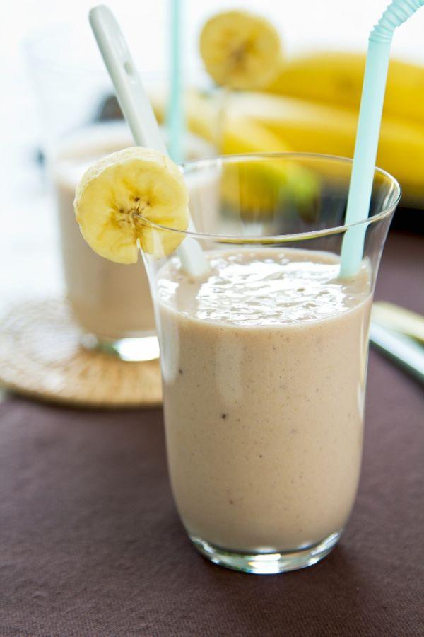 Banánové smoothie z mandľového mlieka |