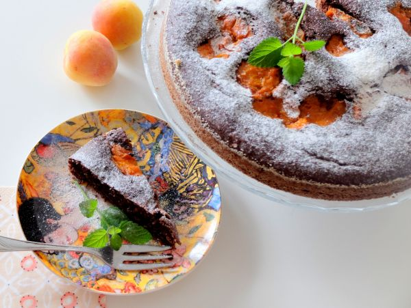 Marhuľový čokoládový zdravý koláč |