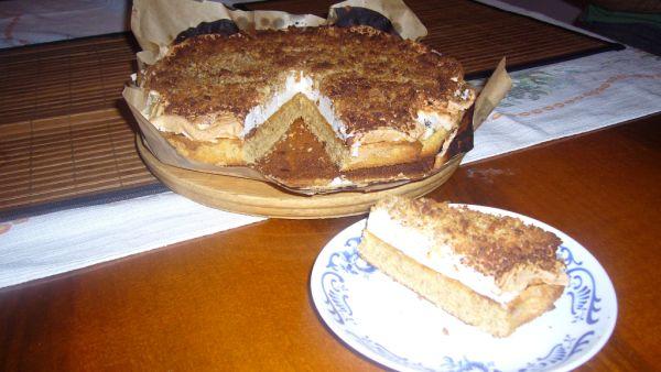 Jednoduchý orechový koláč |