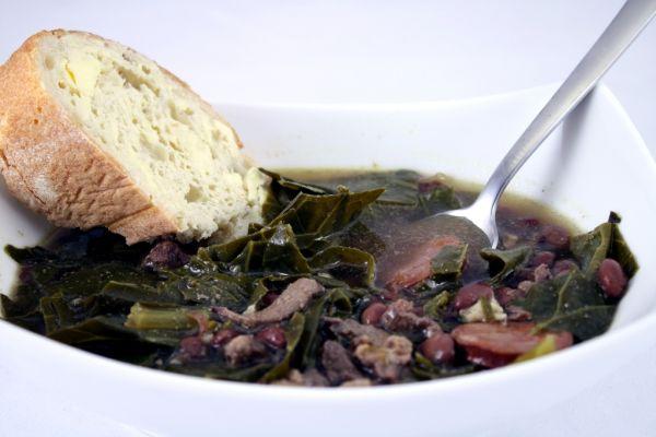 Kelová polievka so sójovými bôbmi |