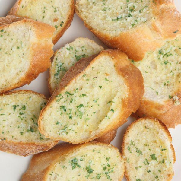 Bagetky s bylinkovým maslom  