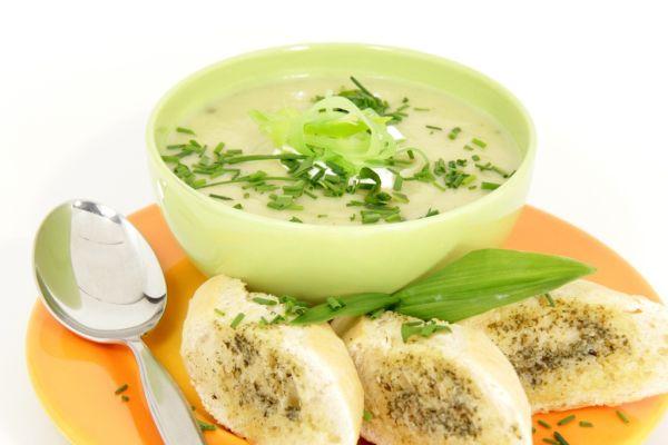 Pórová polievka so sladkými zemiakmi |