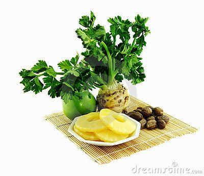 Ovocný šalát s ananásom a so zelerom |