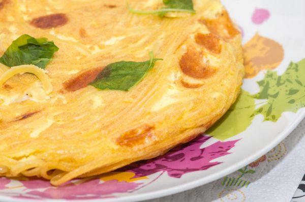 Omeleta s cestovinami |