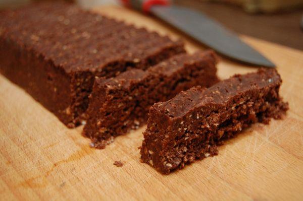 Čokoládovo-datľové raw tyčinky |