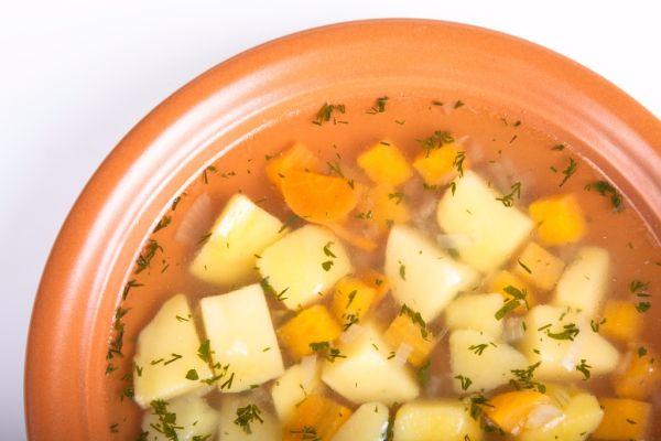 Mrkvová polievka so zemiakmi |