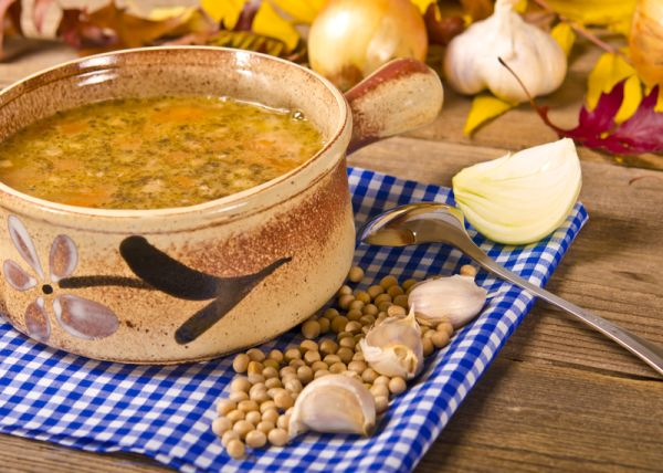 Hrachová polievka so zemiakmi  