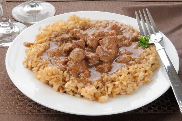 Hovädzie mäso na zázvore s ryžou |