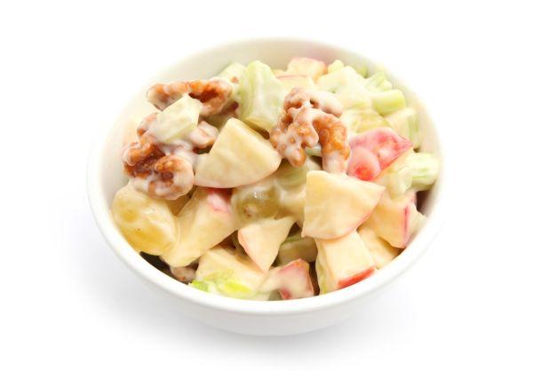 Miešaný ovocný šalát s majonézou |