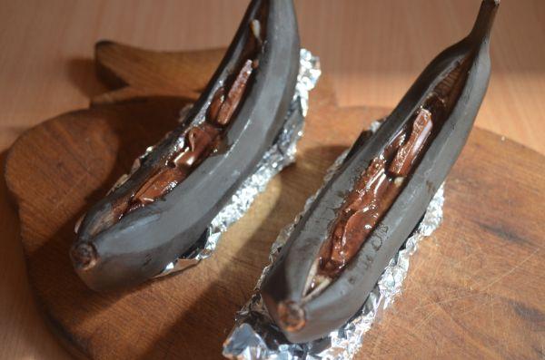 Čokoláda v pečenom banáne |