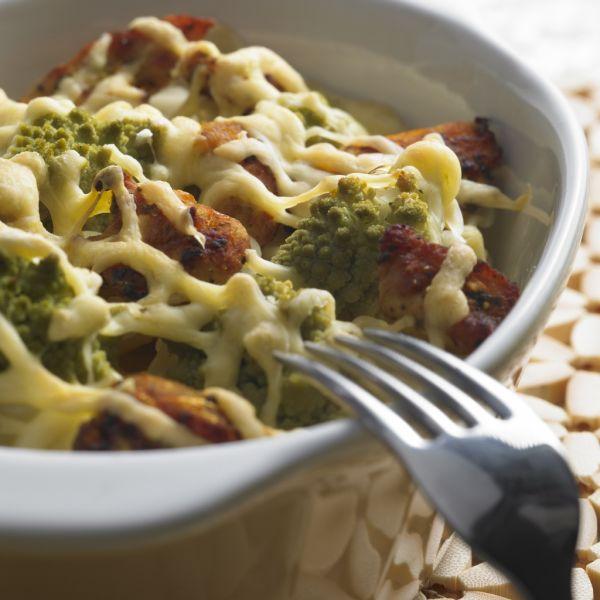 Brokolicový nákyp s bravčovým mäsom |