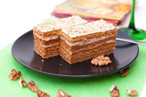 Medová orechová plnka do torty |